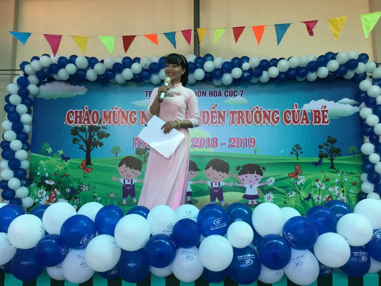 Cô Mây - dẫn chương trình cho lễ hội
